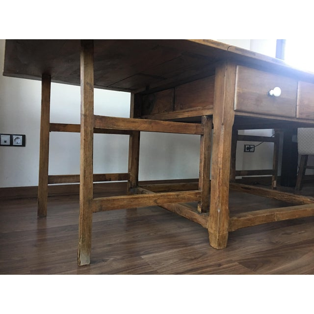 Spanish, 18th Century Drop-Leaf Table with Four Gate-Leg and Three Drawers For Sale In Miami - Image 6 of 9