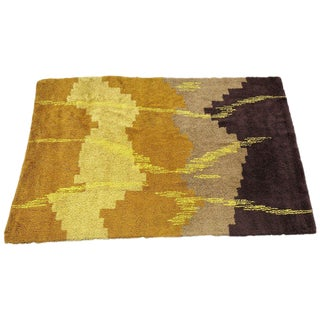 Scandinavian Abstract Shag Rug , Circa 1970 For Sale
