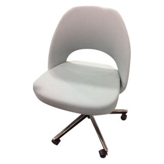 Saarinen Executive Side Chair with Casters For Sale