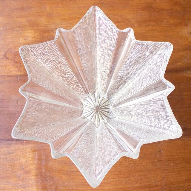 Clear glass centerpiece/bowl with starburst design.