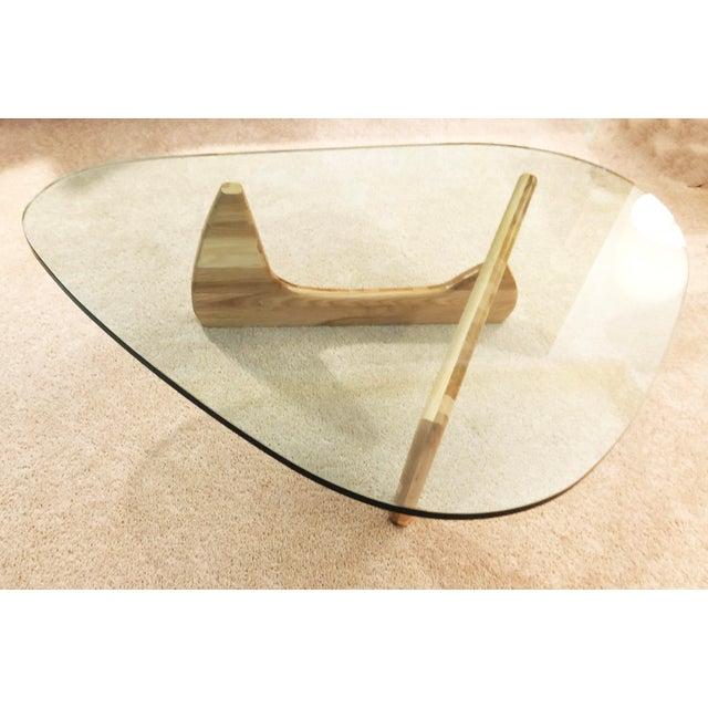 Isamu Noguchi Signed Isamu Noguchi Herman Miller Blonde Based Coffee Table For Sale - Image 4 of 4