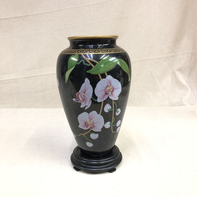 Japanese The Franklin Mint Oriental Porcelain Jardiniere - the Vase of the Fragrant Orchid For Sale - Image 10 of 10