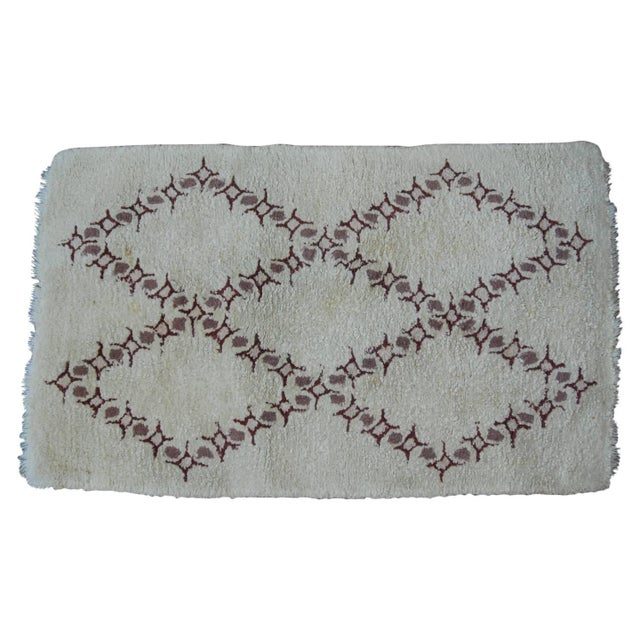 Contemporary Vintage Moroccan Wool Rug - 3′2″ × 5′ For Sale - Image 3 of 3
