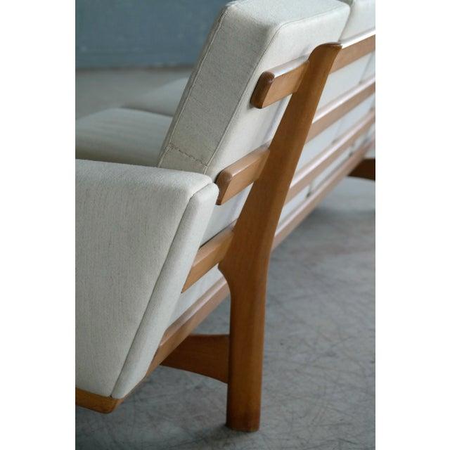 Hans Wegner for Getama Model Ge-236/4 Four Seat Sofa in Oak and Beige Wool For Sale In New York - Image 6 of 11