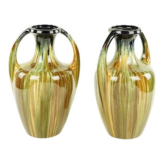 Very Chic English Mid-century Urns of Great Scale and Proportions For Sale
