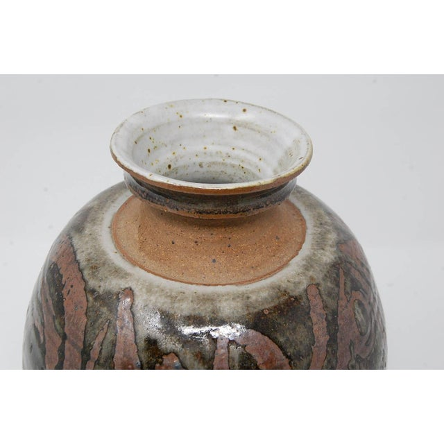 Gerry Williams Large Studio Pottery Vase by Gerry Williams For Sale - Image 4 of 7