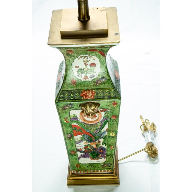 Vintage Chinese Rose Medallion Hand Painted Table Lamp For Sale - Image 11 of 13