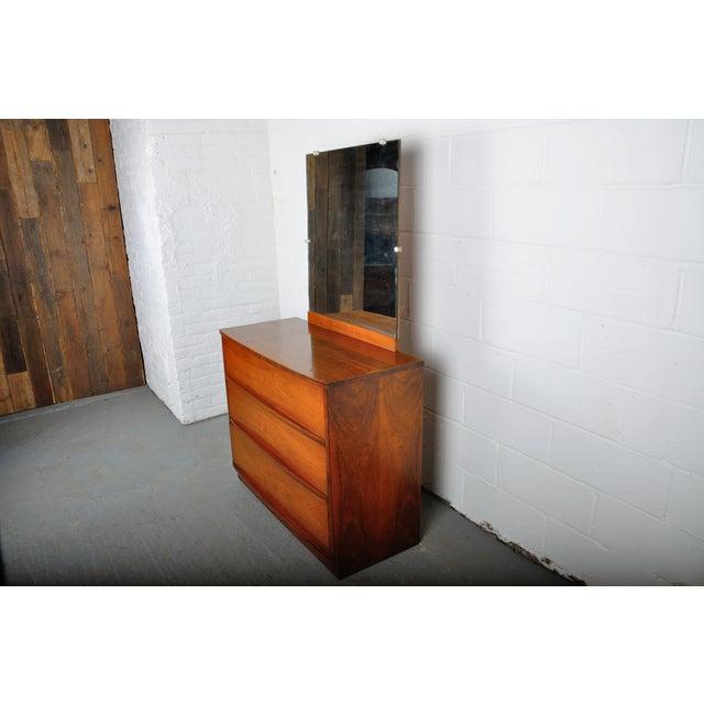 1950s Mid-Century Modern Walnut Vanity Dresser For Sale - Image 5 of 13