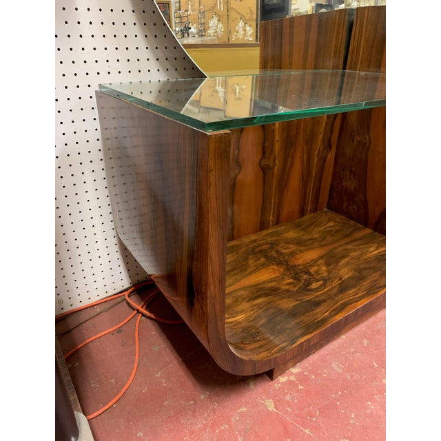1930s Art Deco Rosewood Vanity With Round Mirror For Sale In Chicago - Image 6 of 9