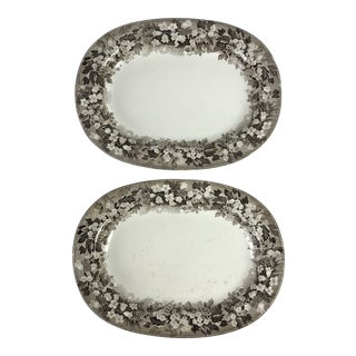 19th C. Wedgwood Platters, Pair For Sale