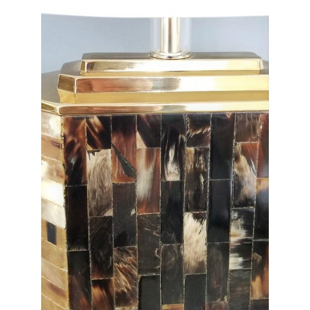 Karl Springer Vintage Tessellated Horn and Lucite Brass Table Lamp For Sale - Image 9 of 13