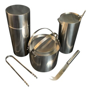"1970s Danish Modern Arne Jacobsen for Stelton ""Cylinda"" Cocktail Barware Set of 6 For Sale"