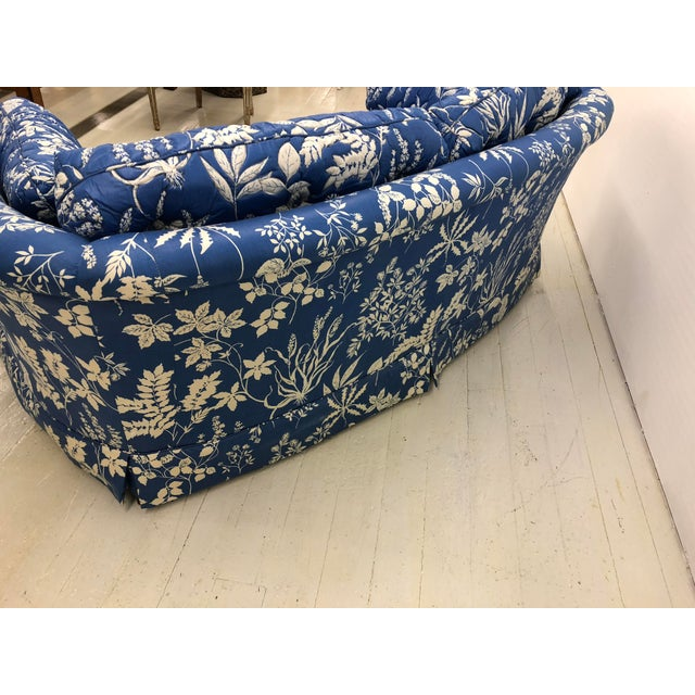 1970s Ethan Allen Hollywood Regency Chinoiserie Blue & White Floral Crescent Loveseat Sofa For Sale In Boston - Image 6 of 13
