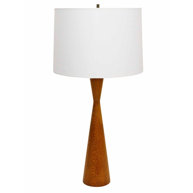 1950s Turned Oak Hourglass Table Lamp For Sale - Image 4 of 7