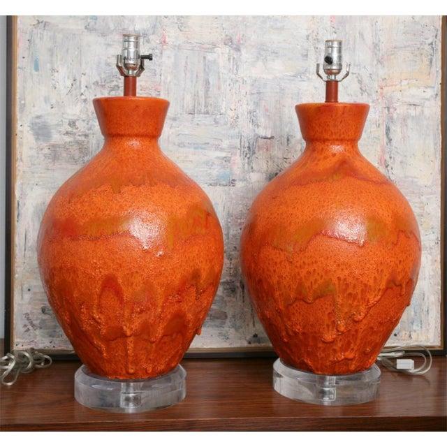 Mid-Century Modern Pair of Monumental Sized Orange Mottled Glaze Ceramic Lamps For Sale - Image 3 of 8