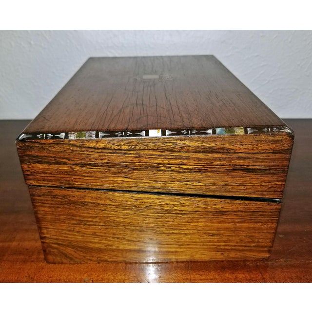 Silver Early 19c Irish Mahogany Writing Slope With Armorial Crest For Sale - Image 8 of 13