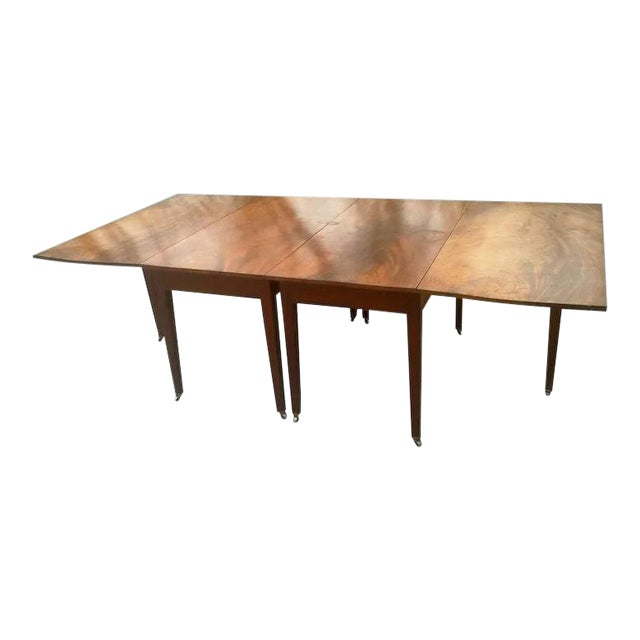 Federal Mahogany Hepplewhite Banquet Dining Table For Sale