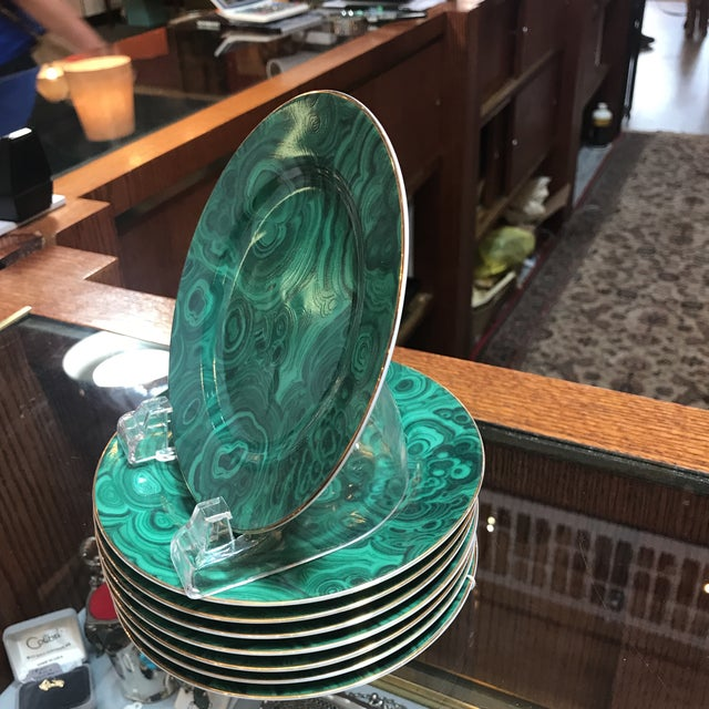 """Late 20th Century Traditional Malachite Painted Green Porcelain 6.25"""" Plates - Set of 8 - Image 6 of 7"""