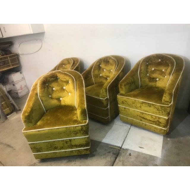 Milo Baughman 1970s Milo Baughman Green Barrel Club Chairs- Set of 4 For Sale - Image 4 of 10