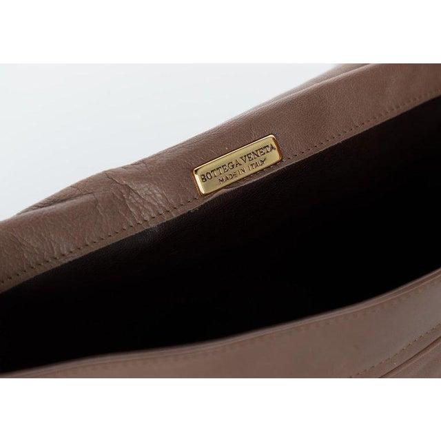Brown Vintage Bottega Veneta Intrecciato Leather Tassel Clutch Bag For Sale - Image 8 of 9