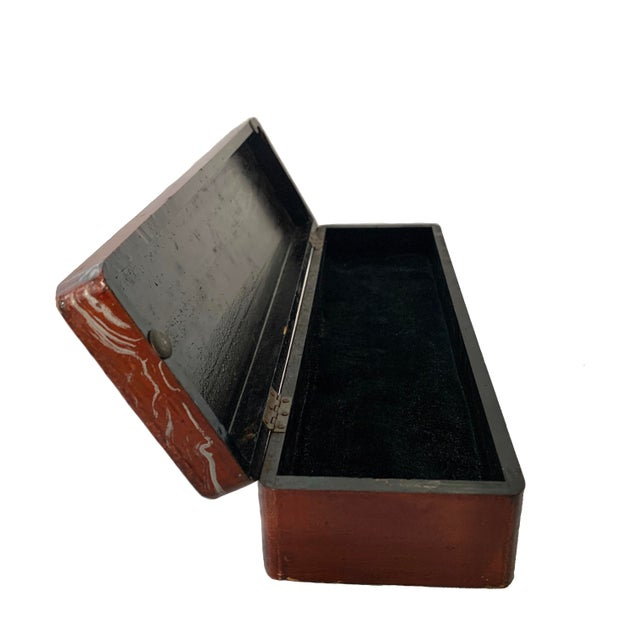 Art Deco Vintage Lacquer Gloves Jewelry Box Hand Painted For Sale - Image 3 of 9