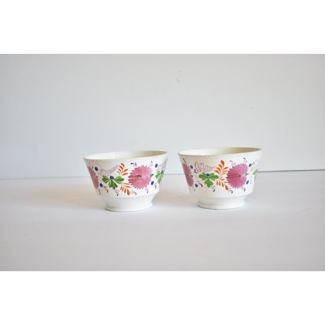 Antique C. 1810-1820 Pink Luster Staffordshire Creamware Tea Bowls - a Pair For Sale - Image 11 of 13