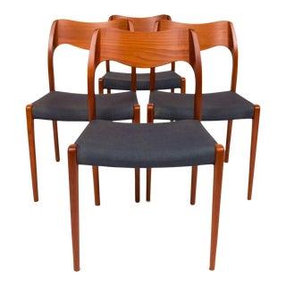 Vintage Møller Model 71 Dinning Chairs—Set of Four For Sale
