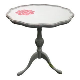 1920s Shabby Chic Pedestal Accent Table For Sale