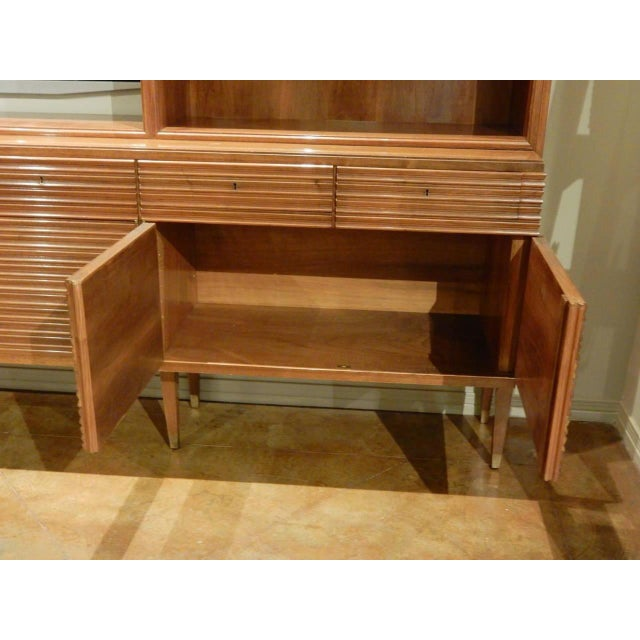 Italian Mid-Century Modern Walnut Bookcase Cabinet by Paolo Buffa For Sale In New Orleans - Image 6 of 11