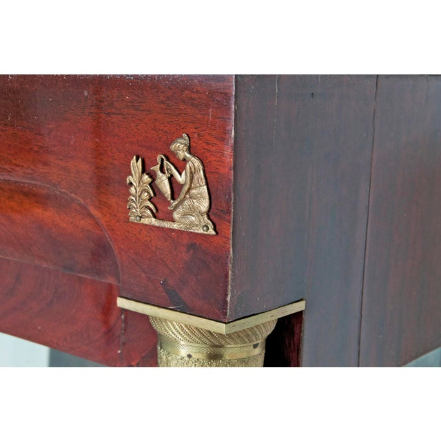 Early 19th Century French Empire Mahogany Vitrine For Sale In San Francisco - Image 6 of 8