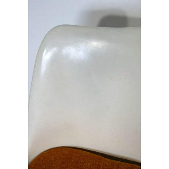 Textile Mid Century Modern Eero Saarinen for Knoll Set 5 Tulip Side Dining Chairs 1960s For Sale - Image 7 of 10