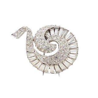 Boucher Rhodium Plate Rhinestone Spiral Fur Clip, Patented 1950 For Sale