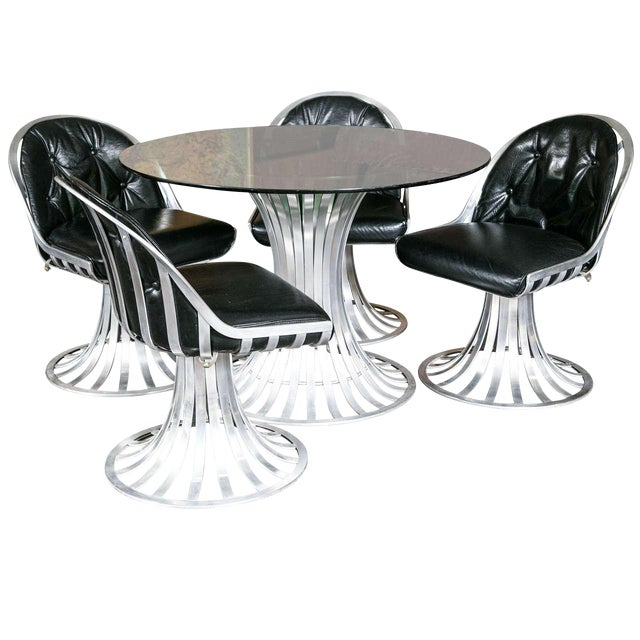 1960s Vintage Russell Woodard Round Table Set- 5 Pieces For Sale