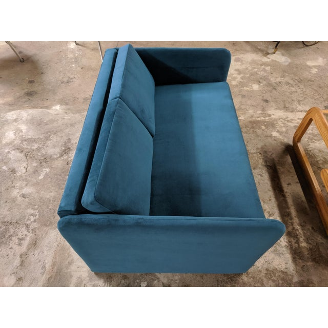 Turquoise Vintage 1980's Reupholstered Love Seat in Crushed Turquoise Velvet With Rounded Arms For Sale - Image 8 of 9