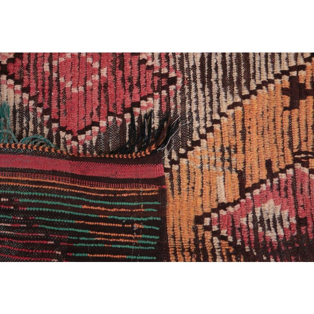 """Vintage Boujad Moroccan Rug - 5'1"""" x 9'1"""" For Sale - Image 4 of 4"""