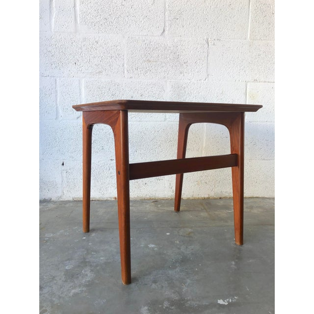 Vintage Mid-Century Danish Modern Nesting Tables (Set of Two) For Sale - Image 11 of 13