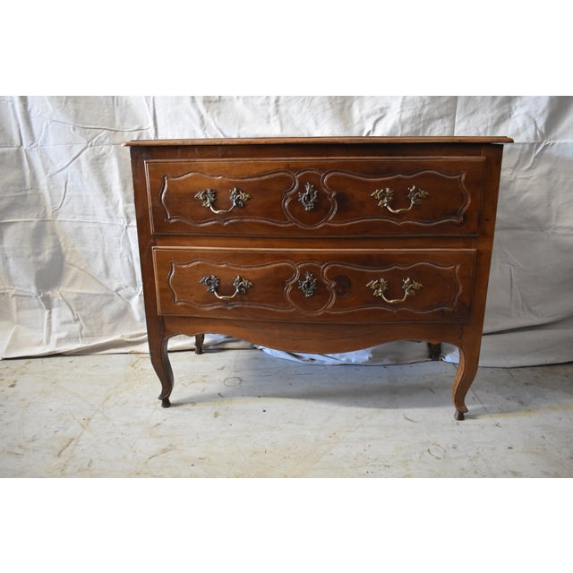 18th Century Italian Walnut Commode For Sale In Houston - Image 6 of 6