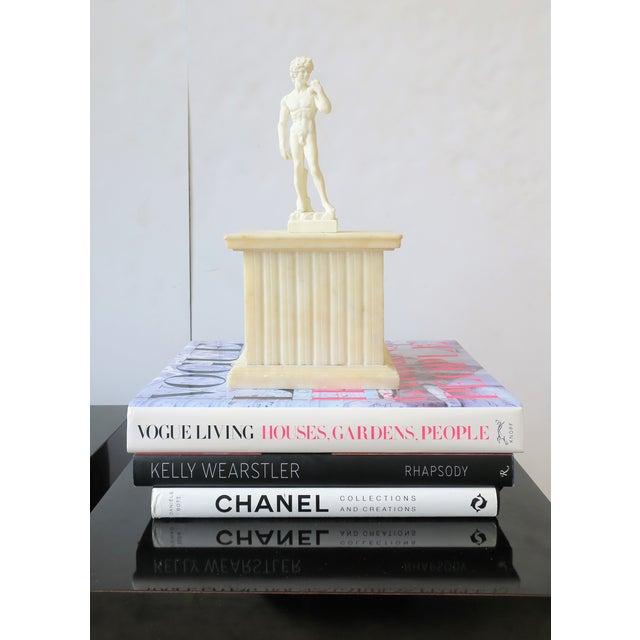 Italian Italian Alabaster Marble Column Pedestal For Sale - Image 3 of 13