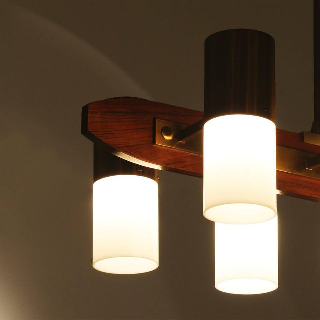 1960´s Chandelier 8 lights, solid teak, brass and plexiglass - Italy For Sale - Image 6 of 7