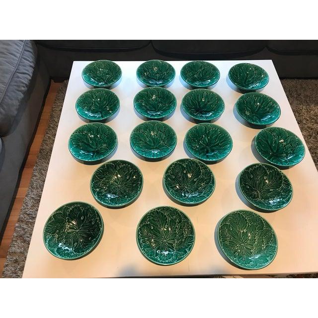 Wedgwood of Etruria & Barlaston Emerald Grape Leaf Bowls - 18 Plates - Image 2 of 5