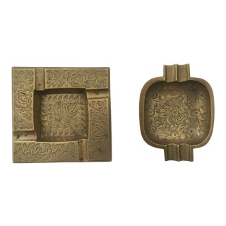 Vintage Mid Century India Solid Brass Etched Design Ashtrays - Set of 2 For Sale