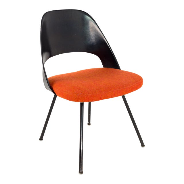 Vintage Early Saarinen for Knoll Plastic Back Armless Executive Side Desk Chair For Sale