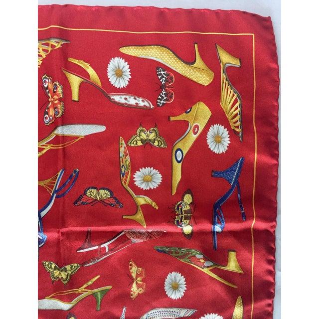 Salvatore Ferragamo 1990s Small Red Silk Scarf or Pocket Square, Shoe Motif - Salvatore Ferragamo For Sale - Image 4 of 9
