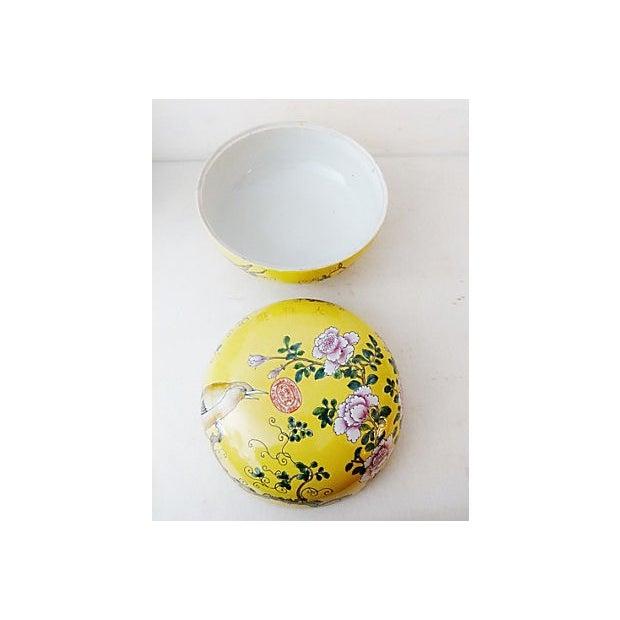 Famille Jaune Large Porcelain Box For Sale - Image 5 of 6