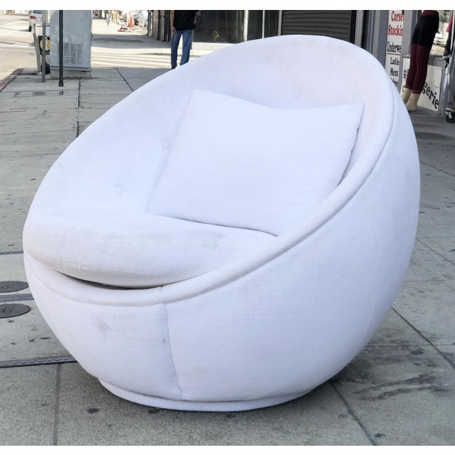 "Stunning ""Egg"" Swivel Chair by Milo Baughman for Thayer Coggin For Sale - Image 9 of 11"