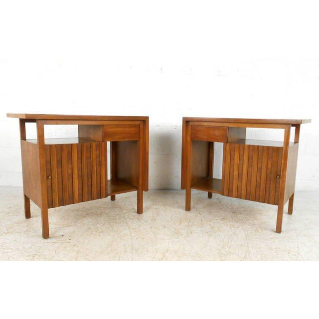 company pagespeed heywood furniture bed wakefield category mid bedroom set by stylemaster ic century modern