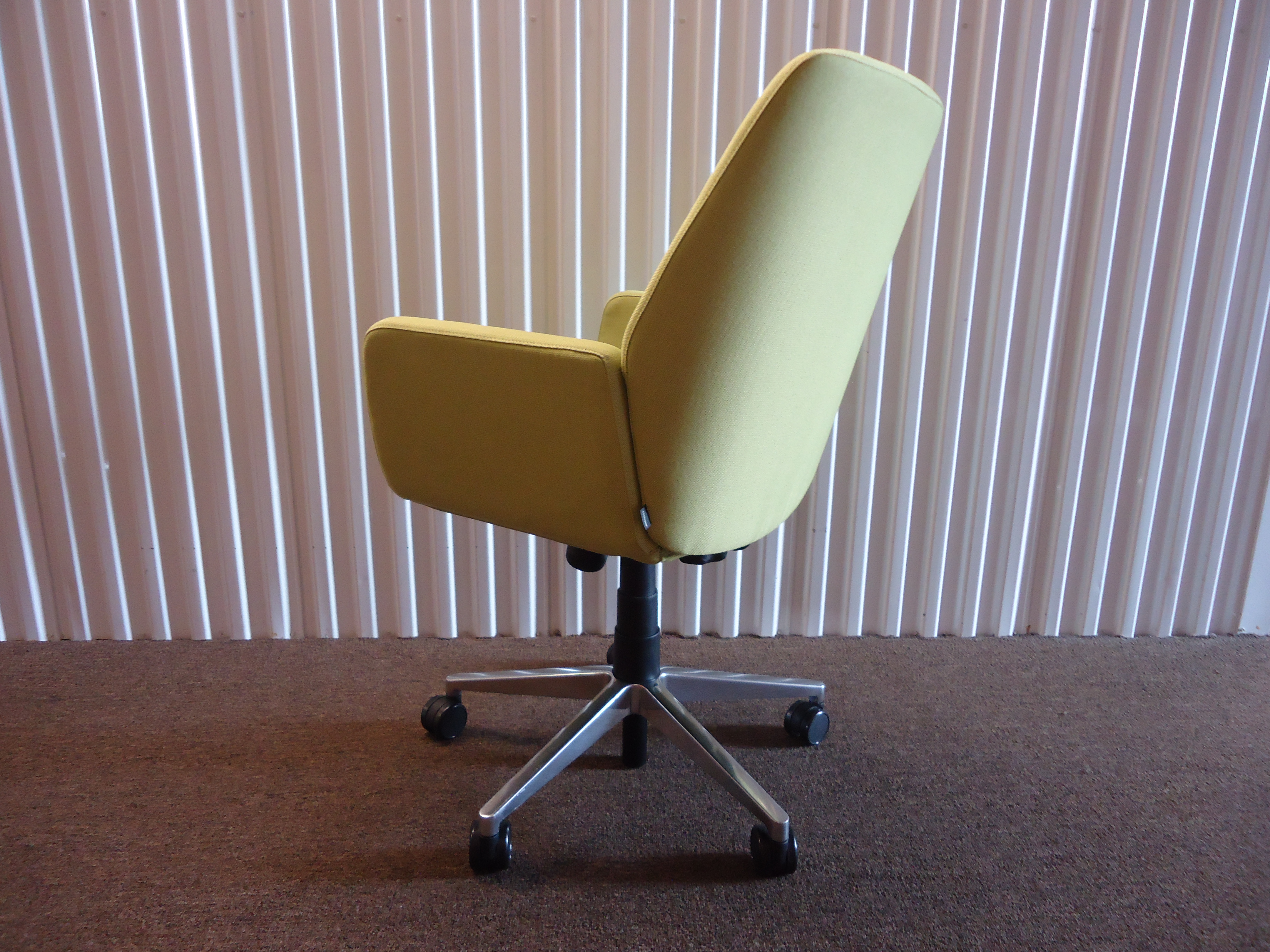 Aluminum Coalesse And Steelcase Brian Kane Modern Bindu Green Executive  Conference Chair For Sale   Image