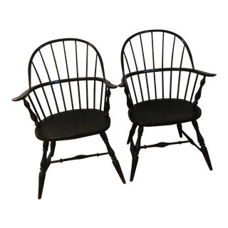 Fredrick Duckloe Windsor Chairs - a Pair For Sale