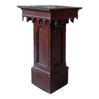 Late 19th Century Gothic Style Brown Wooden Pedestal For Sale