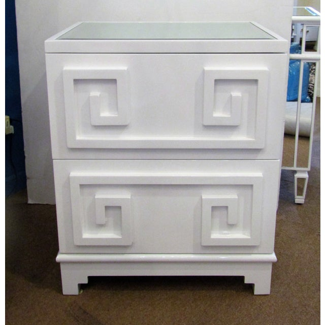 2010s Contemporary White Lacquer Side Table Cabinet For Sale - Image 5 of 5